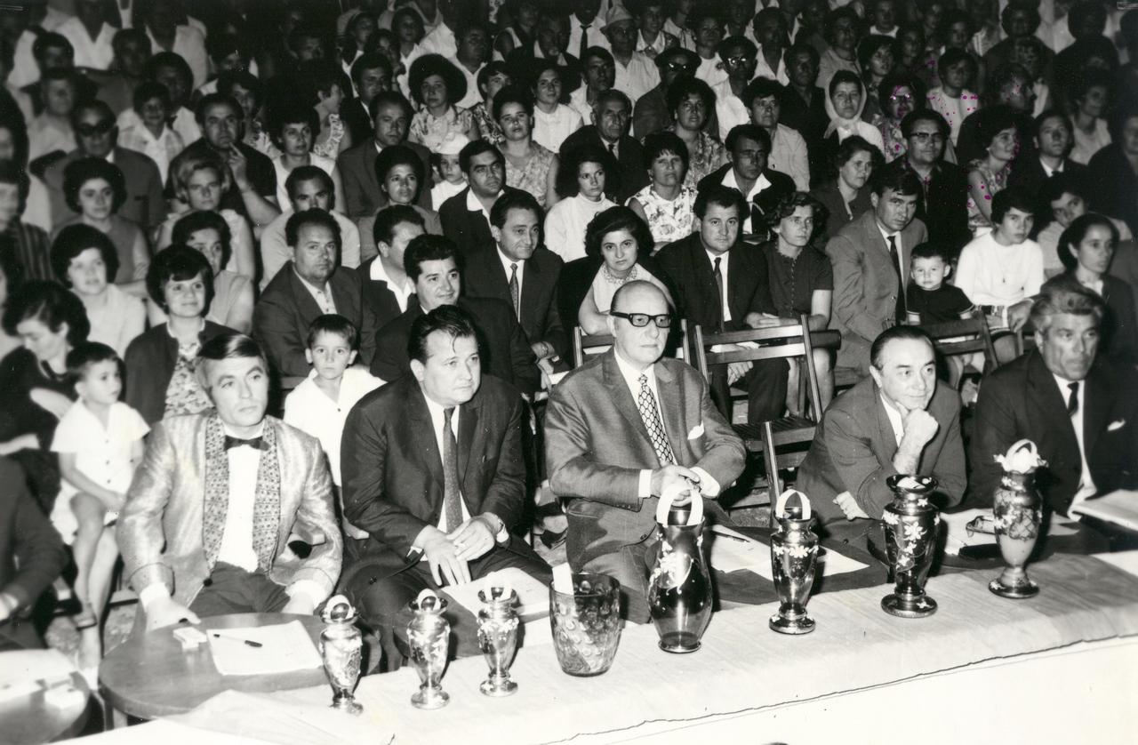 1970 - juriul festivalului.jpg