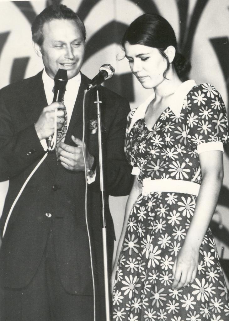 Mihai Florea - prezentator 1975.jpg