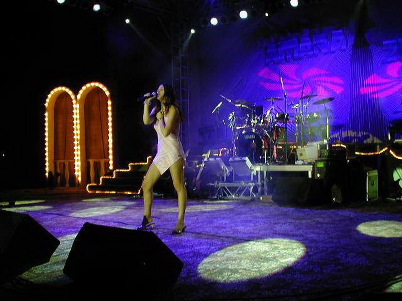 Amara 2002 - scena.JPG