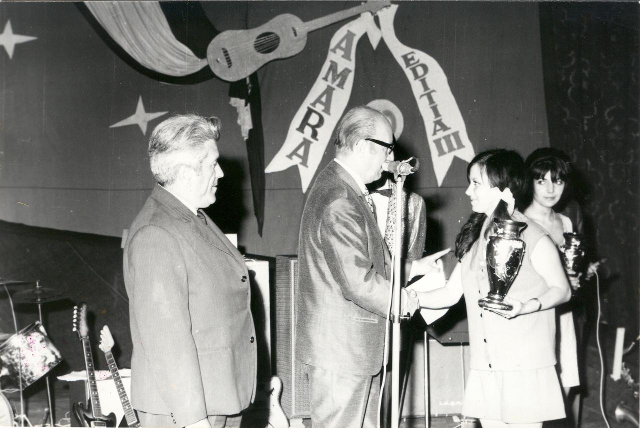 1970 - festivitate de premiere.jpg