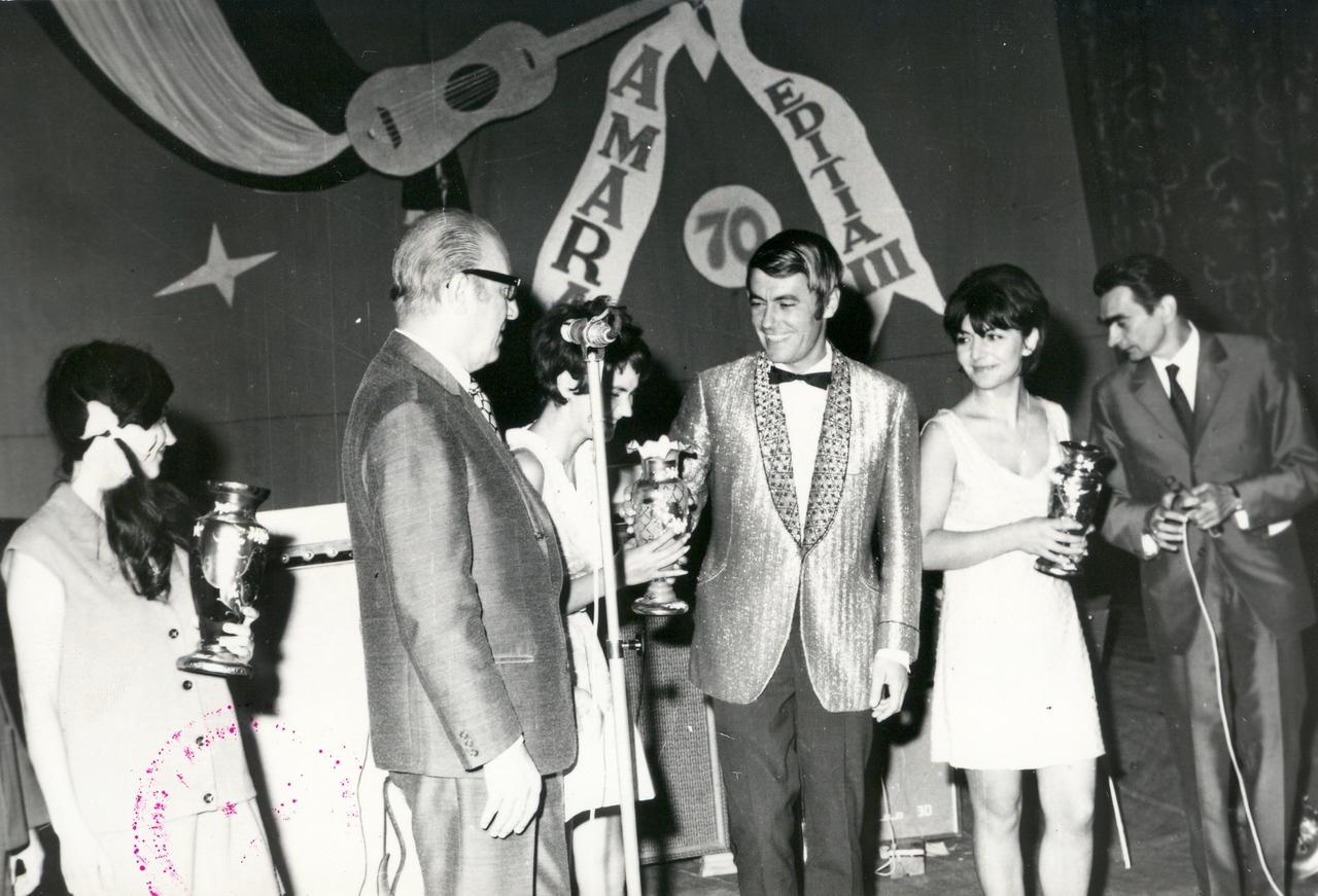 1970 festivitate de premiere.jpg